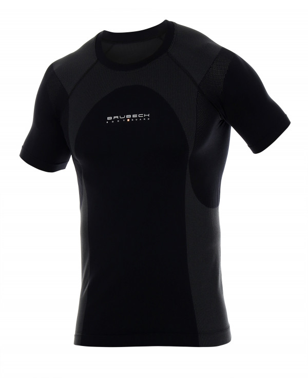 Retrouvez  notre T-shirt Homme DYNAMIC OUTDOOR au prix de 58,90€